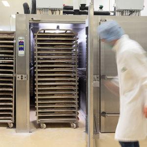 hengel-fermentation-tunnel-fermentation-a-chariots-renforce-ouvert.jpg